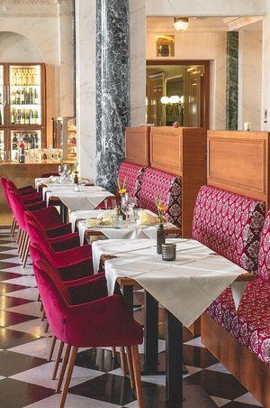 Opening Restaurant Franz