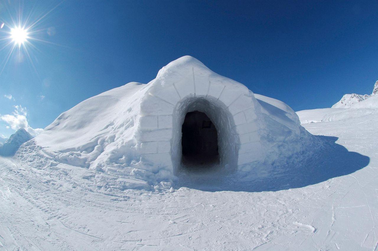 Igloo on Ice – Mt. Titlis