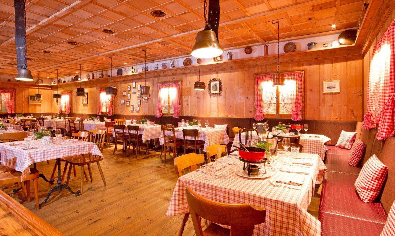 Old town crime-dinner at LeChâlet