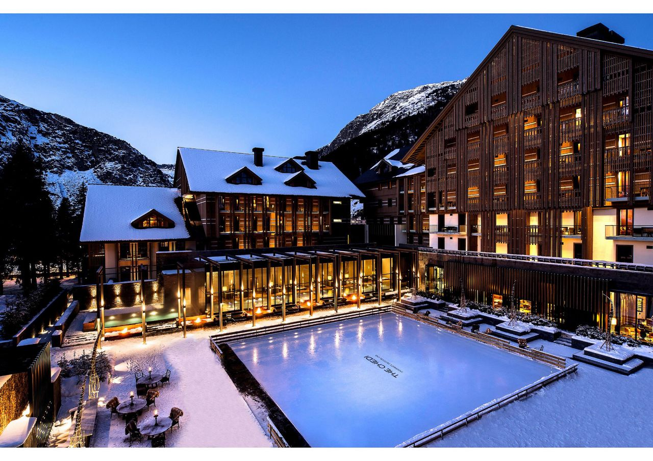 Curling at the Chedi Andermatt