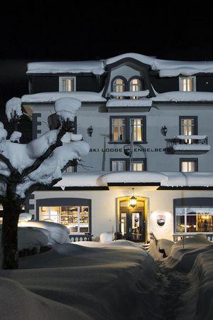 Hotel Ski Lodge