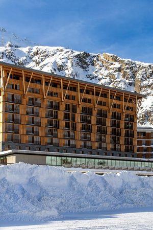 Radisson Blu Hotel Reussen - Spätwinter Ski Spezial in Andermatt