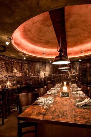 feRUS Hotel / Bar / Grill