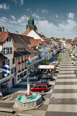 Guided old town tour in Willisau with aperitif